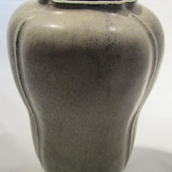 Arne Bang vase - uniqe danish pottery vase