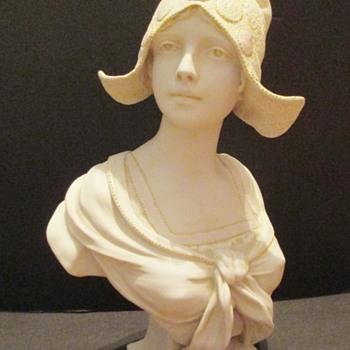 BRETTON GIRL?  - Pottery