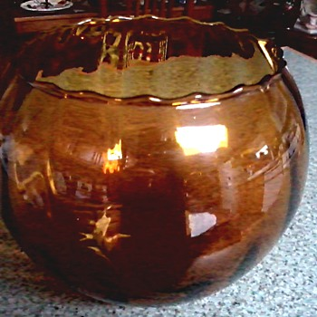 "Amber 8"" Art Glass Bowl / Panel Optic Design / Mid-Century - Art Glass"