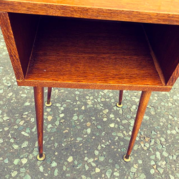 Telly Table?    Retro vintage, not sure what the wood is?   Anyone?  - Furniture