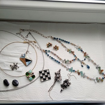 Huge vintage jewelry lot - Part 3 - Costume Jewelry