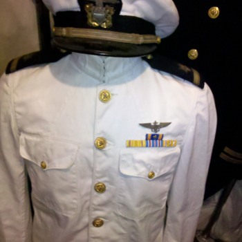 WWII US Navy pilot summer whites dress uniform - Military and Wartime