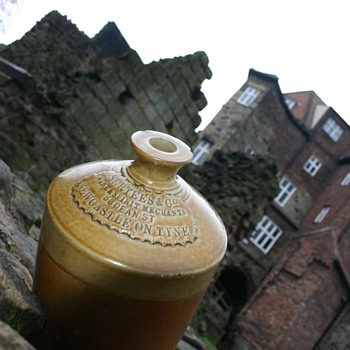 NEWCASTLE EARLY SLAB SEAL JUG / FLAGON British Isles