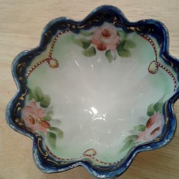 Handpainted Nippon Porcelain Bowl ! - Pottery