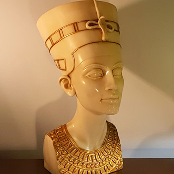 Nefertiti Egyptian Bust - Figurines