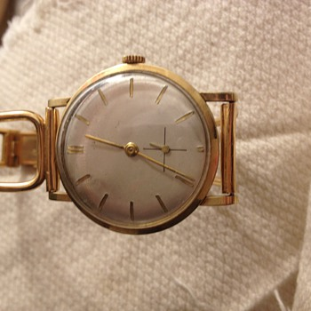 14 k golden watch with golden wrist band  - Wristwatches