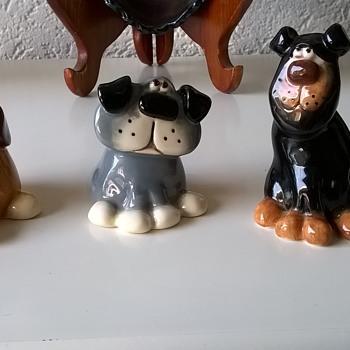 Three Mutts.... - Figurines