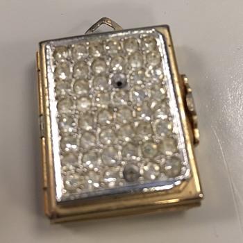 Coro vintage locket - Costume Jewelry