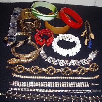 Black Friday Bracelet Finds! - Costume Jewelry