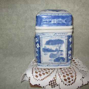 Chinese Hand Painted Antique Tea Caddy,Canister, Great Details - Asian