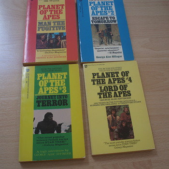 PLANET OF THE APES 1974 AWARD POCKET BOOKS - Books