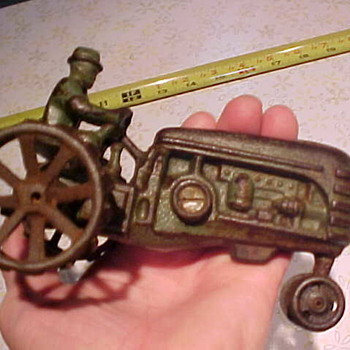 Have you knowledge of this toy tractor?