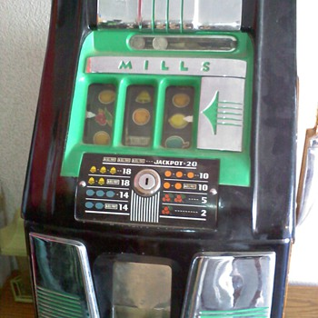 Mills Slot Machine - Bell Fruit Gum - Coin Operated