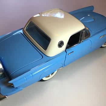 "Road Signature Deluxe, 1957 Thunderbird ""StarMist Blue"" - Model Cars"