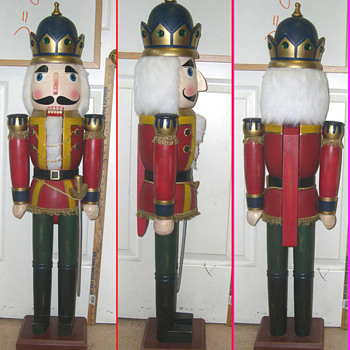 Need Christmas People, for my Vintage Nut Cracker King
