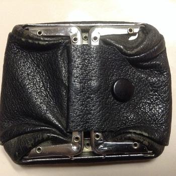 Vintage pocket change holder