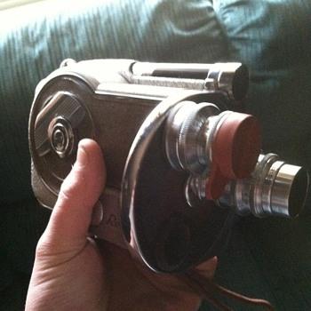 Revere Model 26 Magazine 16mm - Cameras