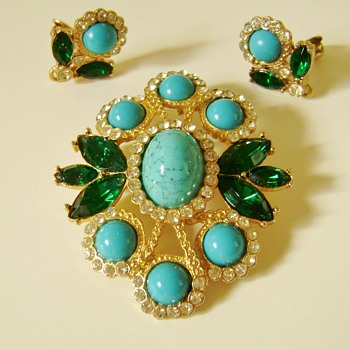 Sarah Coventry Brooch Set - Costume Jewelry