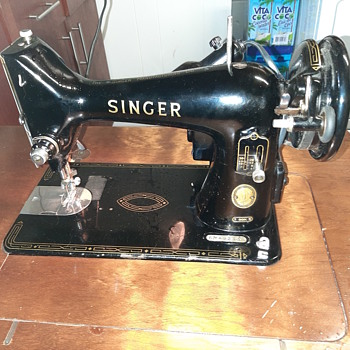 Singer Table model Sewing machine - Sewing