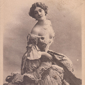 """World's Most Beautiful Woman"" Lina Cavalieri by Reutlinger - Postcards"