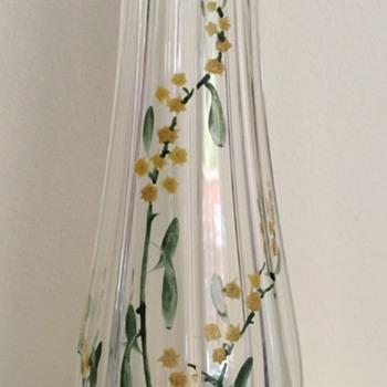 Plain (kristall) glass vase with enamelled flowers