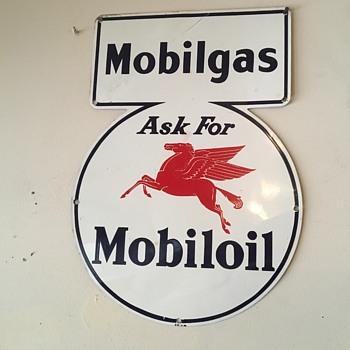 Mobilgas pump sign. 1930's - Petroliana