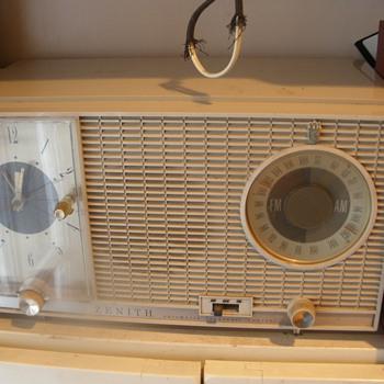 Zenith Clock Radio  - Radios