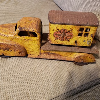 Large early crane truck! - Model Cars