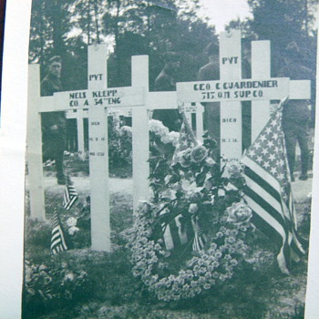 Old WWI soldier grave site photograph
