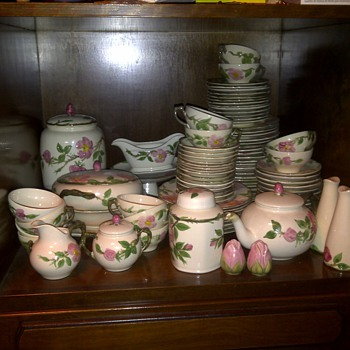 Franciscan Earthernware Desert Rose - China and Dinnerware