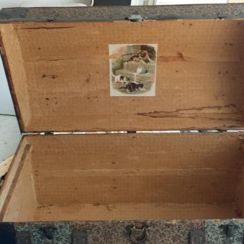 steamer chest - Furniture