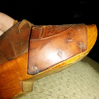 Brought back from WWI from Uncle no idea how old. Can't find any shoes like this