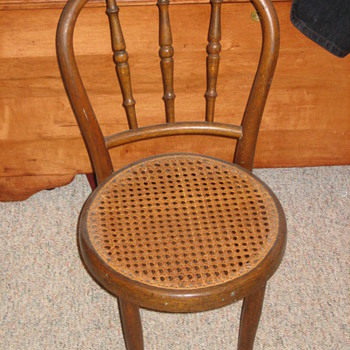 Child's Thonet chair - Furniture