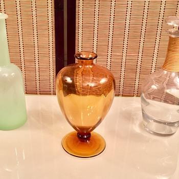Amber Decanter / Bottle Verically Ribbed Optic Glass Possibly Blenko ?? - Bottles