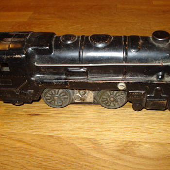 Can anyone tell me about this toy train engine? - Model Trains