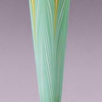 Tall Durand Pulled Feather Trumpet Vase c.1925. - Art Glass