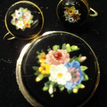 Round Micro Mosaic Flower brooch and earrings - Fine Jewelry