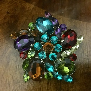 Brooch - Costume Jewelry