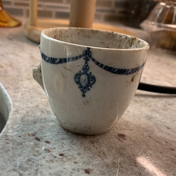 Found buried in the yard of our 328 year old house - China and Dinnerware