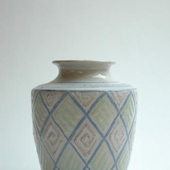 french art deco pottery vase with geometricalpattern  by Léon Elchinger (1871-1942) - Art Deco