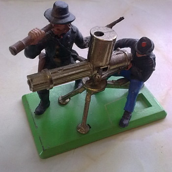 Britains Gatling guns. - Toys