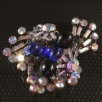 Love this brooch, but can't figure out who made it - Costume Jewelry
