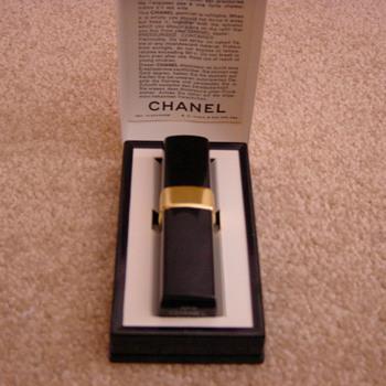 chanel no 5 atomiser for handbag vintage.  1970's