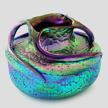 A Loetz PG 377, Prod #1090/22 vase - Art Glass