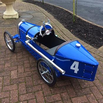 bugatti pedal ca - Toys