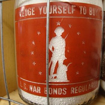 RIGGINS DAIRY RED/YELLOW PYRO QUART WAR SLOGAN MILK BOTTLE - Bottles