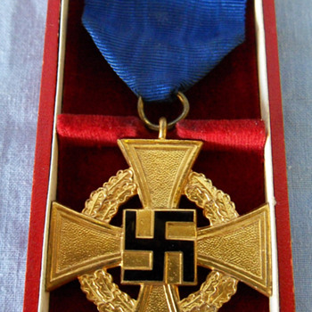WWII German/Nazi 40 Year Service Medal - Military and Wartime