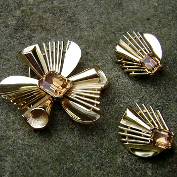 Trifari Brooch Set - Monte Carlo - Costume Jewelry