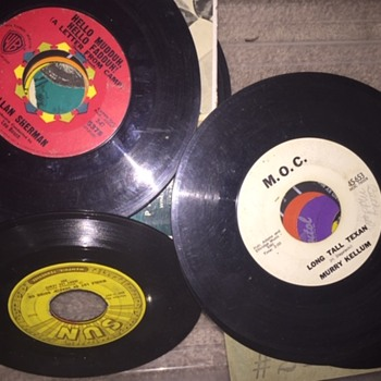 Old 45's Elvis- Jackson 5- B.J. Thomas- Thrift Store - Music Memorabilia