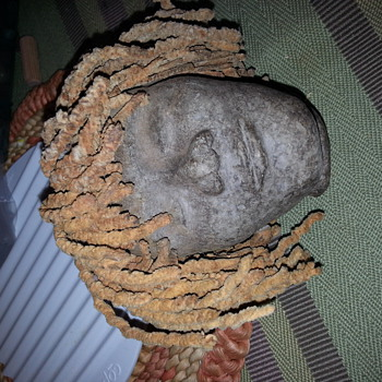 antique hand molded stone or pottery head ¿ - Pottery